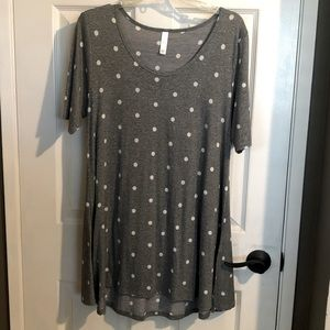 NWOT Lularoe jersey tunic top with side slits.